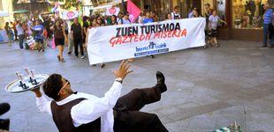 Post de El País Vasco se abre a la tasa turística en plena acción 'abertzale' contra el turismo