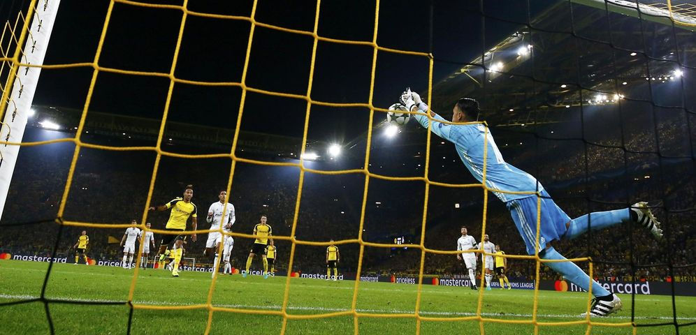 Foto: Keylor Navas falló en la jugada que dio origen al primer gol del Borussia Dortmund (Reuters)