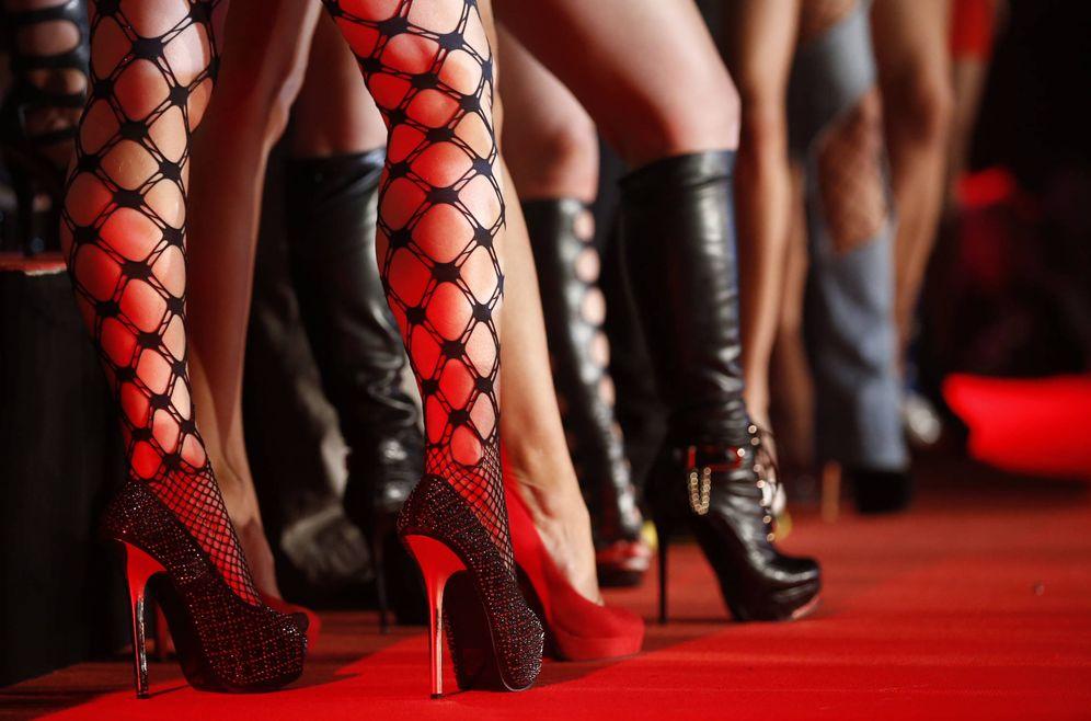 Foto: Actrices porno en una feria erótica celebrada en Berlín. (Reuters)