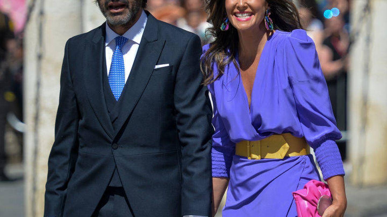 Nuria Roca a su llegada a la catedral de Sevilla. (Getty)