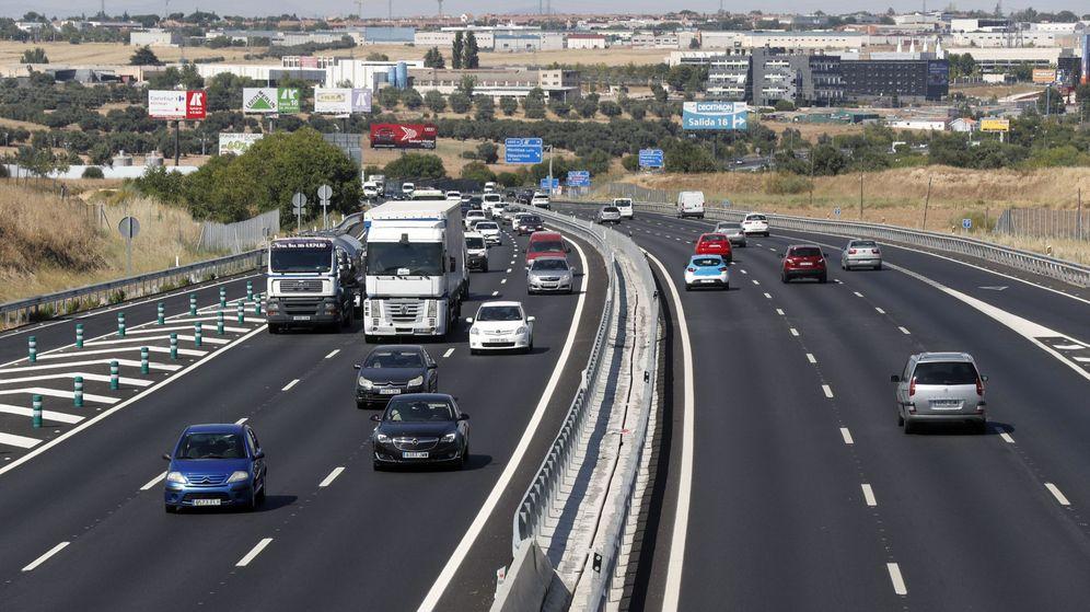 Foto: Imagen de archivo de la salida de Madrid por la A-5. (EFE)