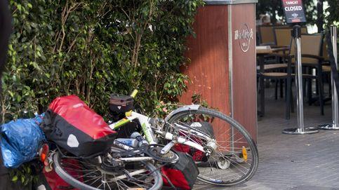 Una conductora atropella a un ciclista y le arrastra durante 20 metros en Gijón