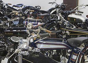 Subastan 100 motos históricas