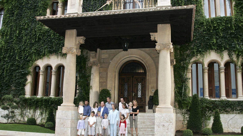 La familia real en Marivent en 2007. (Gtres)