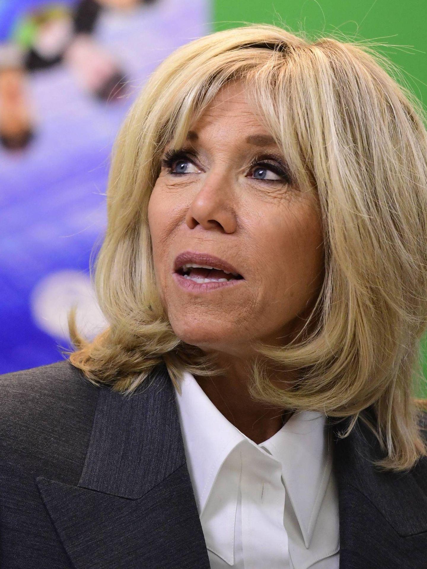 Detalle del volumen de la melena de Brigitte Macron. (Cordon Press)