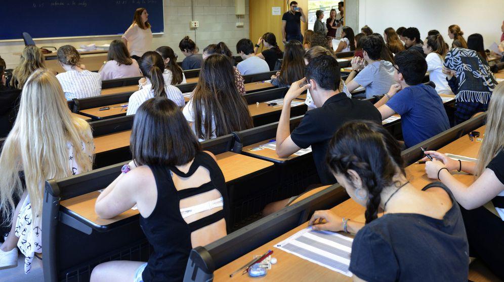Foto: Estudiantes de Bachillerato en un examen. (EFE)