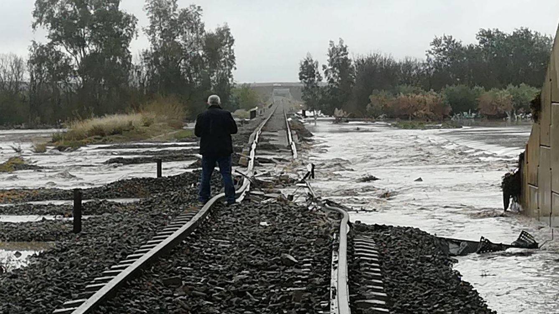 Foto: Al menos 35 heridos al descarrilar un tren en Arahal