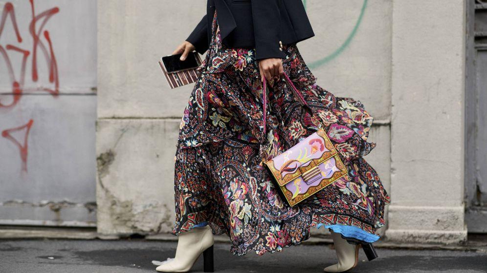 Foto: El otoño vuelve a traer a tu armario la falda como prenda estrella. (Imaxtree)