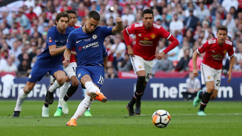 Hazard marca el gol que dio la FA Cup al Chelsea. (Reuters)