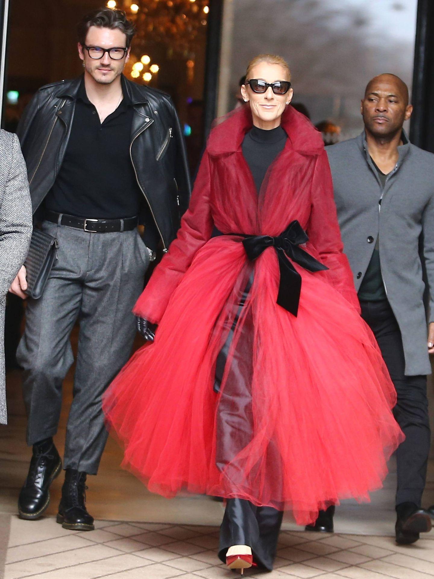 Céline Dion y Pepe Muñoz, tras un desfile. (Cordon Press)