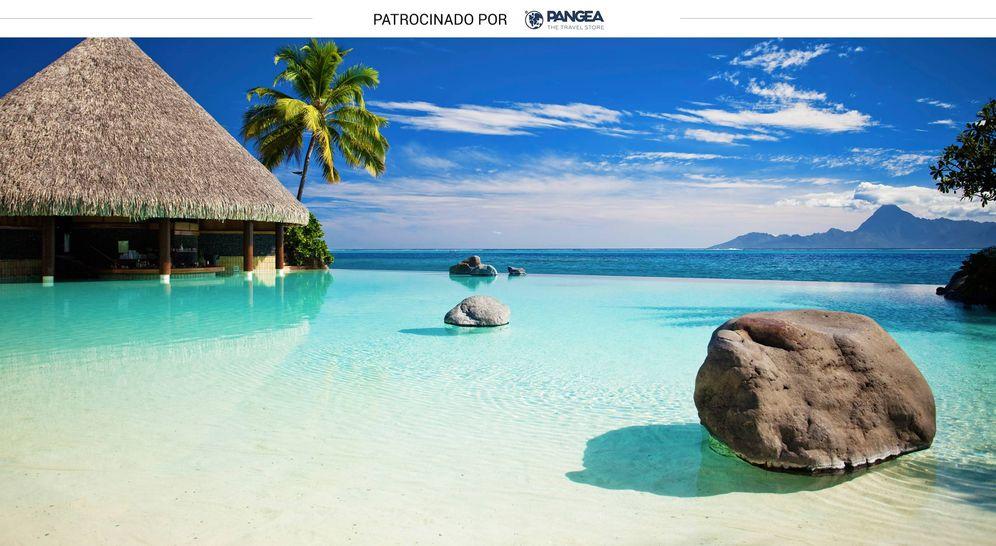 Foto: Piscina de borde infinito junto a la playa. (iStock)