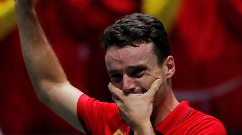 La entereza de Roberto Bautista y su lección de vida en la Copa Davis (no ganó solo)