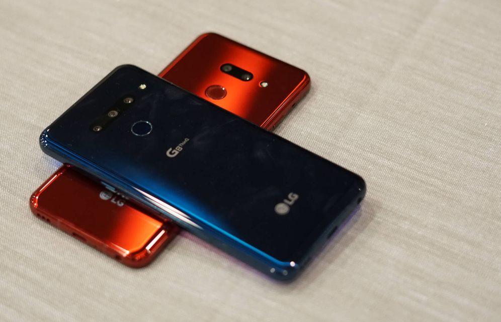 Foto: El LG G8, en dos colores y dos versiones. (M. Mcloughlin)