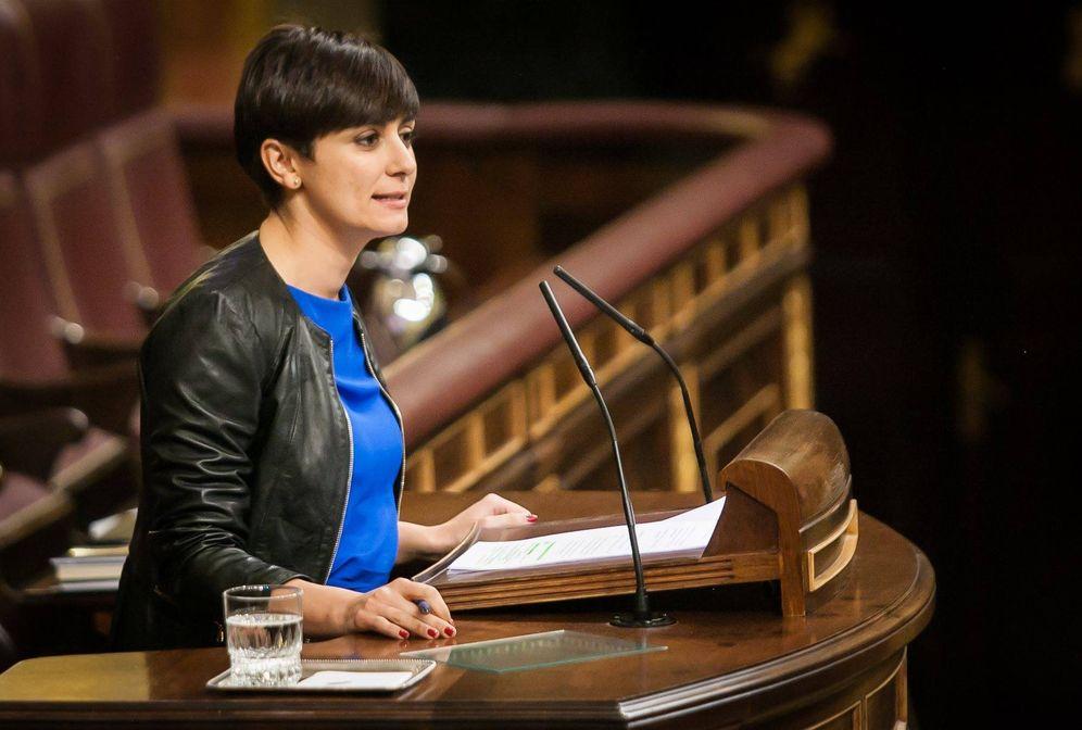 Foto: Isabel Rodríguez, portavoz adjunta del PSOE en el Congreso, este 2 de febrero, defendiendo la proposición no de ley de su grupo. (Congreso)