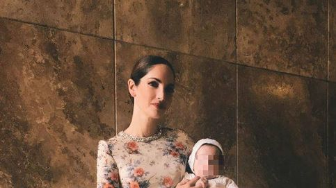 Eugenia Silva bautiza a su hijo Jerónimo vestida de Jorge Vázquez