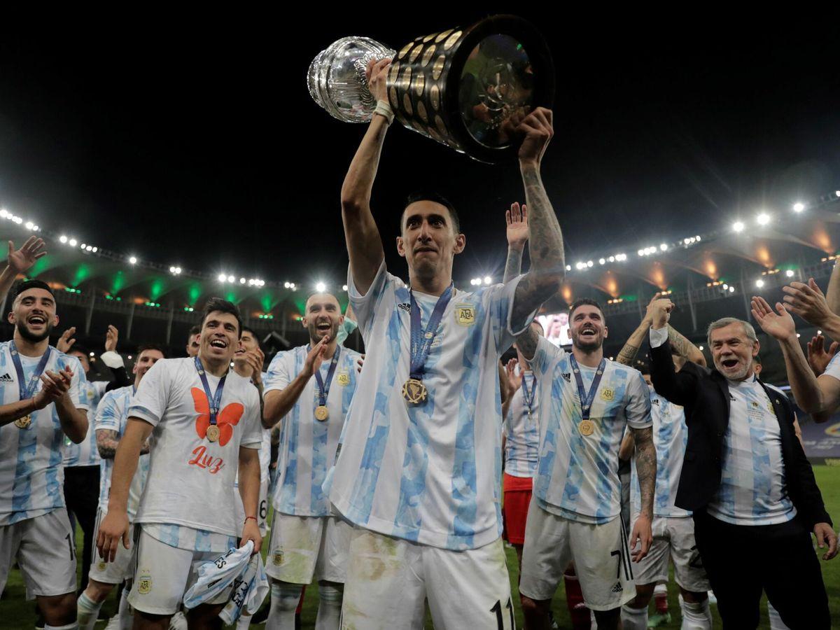 Foto: Los jugadores argentinos celebran la Copa América. (EFE)