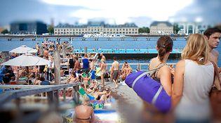 Foto: Aquí sí hay playa: Berlín disfruta de su río durante el verano