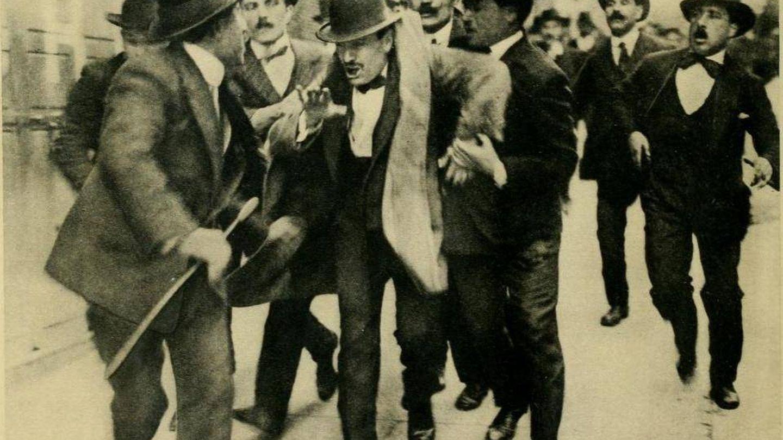 Arresto de Mussolini en 1919.