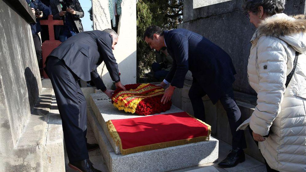 Foto: Sánchez homenajea al exilio español en Francia. (EFE)
