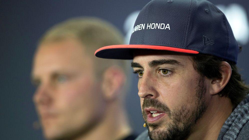 Foto: Fernando Alonso en la rueda de prensa previa al GP de Abu Dhabi. (EFE)