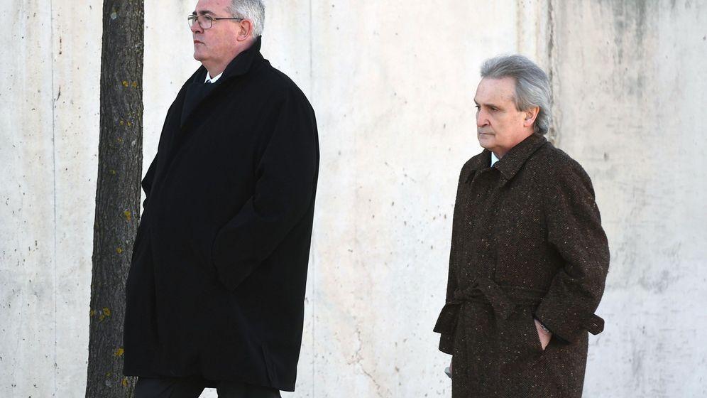 Foto: Francisco Verdú (izda.), ex consejero delegado de Bankia, junto a su abogado (Efe)