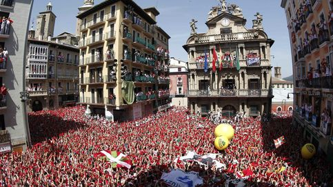 El chupinazo marca el inicio de las fiestas de San Fermin en Pamplona