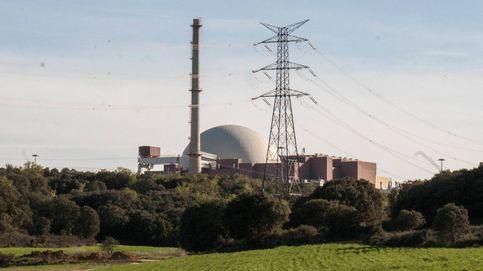 La última cruzada de Nadal: cargar más a las eléctricas el coste de cierre de las nucleares