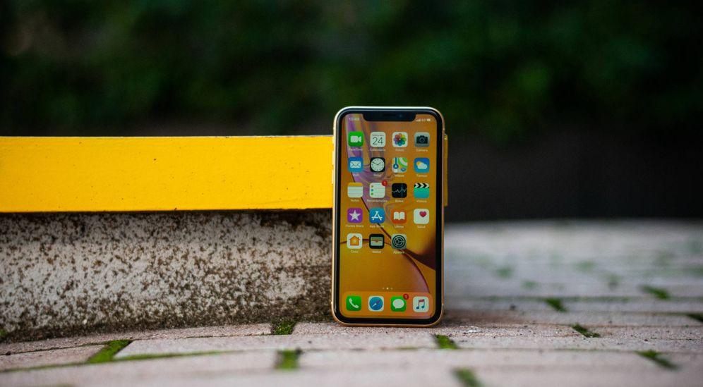 Foto: El iPhone Xr llega hoy a las tiendas. (C. Castellón)