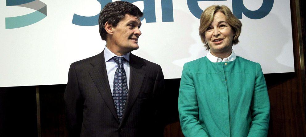 Foto: Fotografía de archivo de la expresidenta de Sareb, Belén Romana, y Jaime Echegoyen. (EFE)