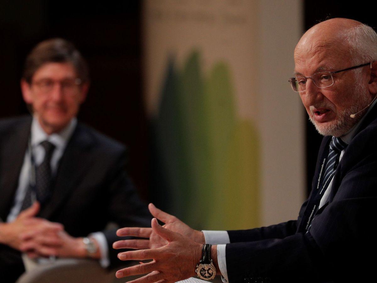 Foto: Juan Roig y José Ignacio Goirigolzarri, en el congreso de directivos de la Fundación CEDE. (EFE)
