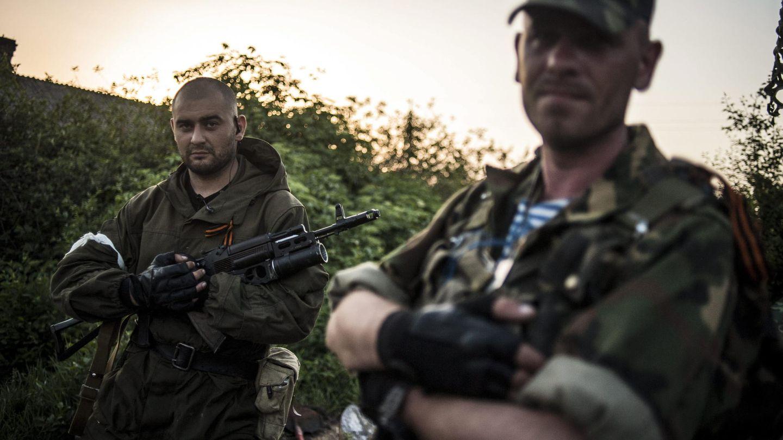 Milicianos prorrusos posan para una fotografía en Slaviansk, Donétsk (Reuters).