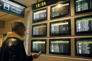 El Gobierno prevé una reducción de los sueldos de los controladores en 245 millones hasta 2012