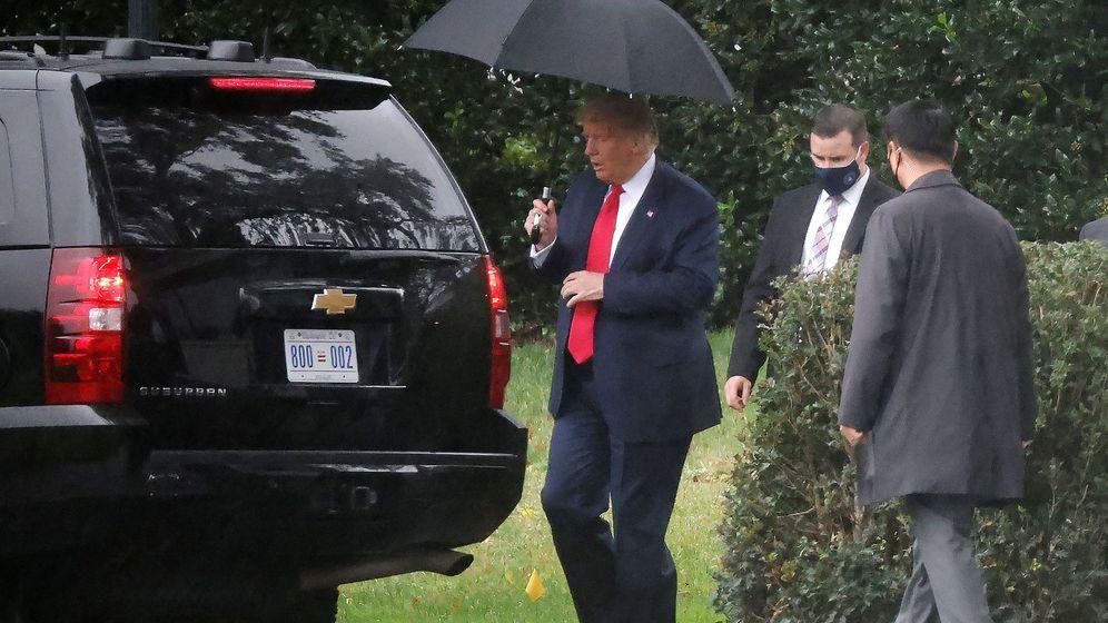 Foto: Donald Trump este lunes de camino a su mitin en Florida. (Reuters)