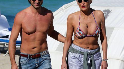 Sharon Stone celebra sus 60 años en bikini y con un joven amante