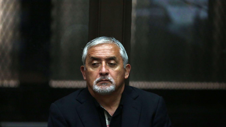No dejar heridos: los correos del soborno 'español' al expresidente de Guatemala