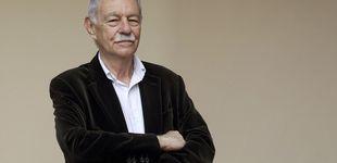 Post de Eduardo Mendoza, el hombre que dejó de escribir bien para vivir mejor