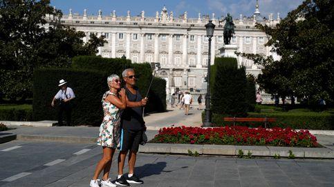 Varapalo judicial a la moratoria de pisos turísticos de Carmena en plena campaña