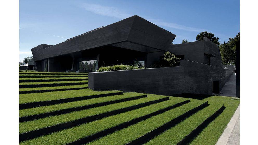Arquitectura negra: mil años de construcciones espectaculares