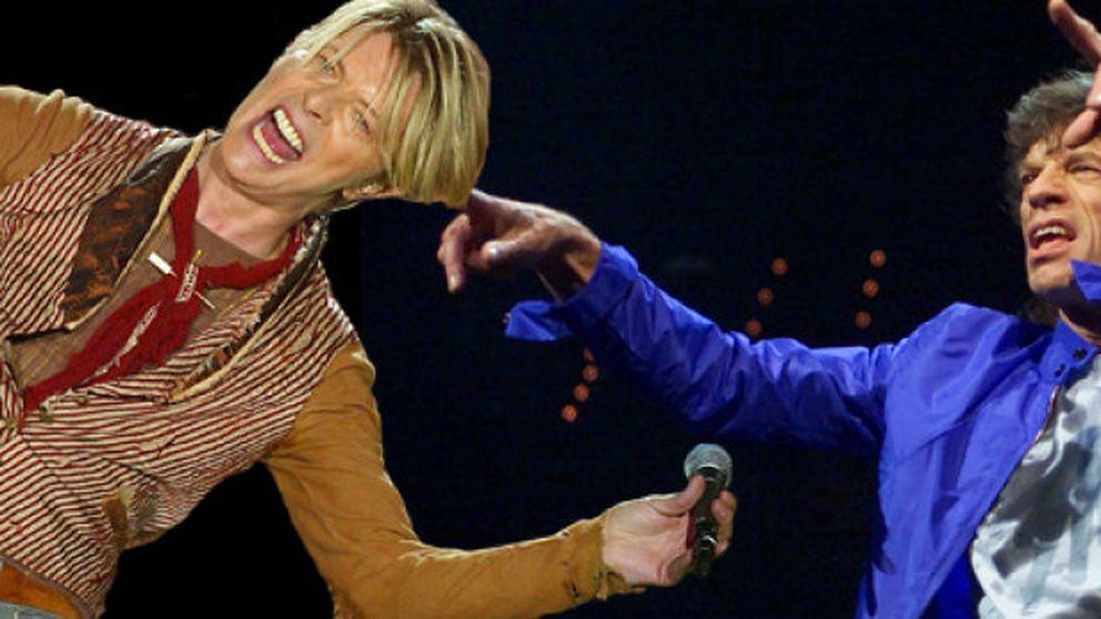 Mick Jagger y David Bowie mantuvieron relaciones sexuales según unas polémicas memorias