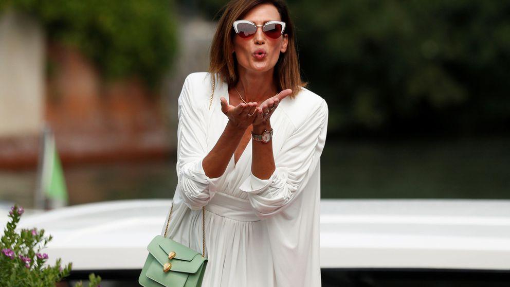 Nieves Álvarez reinventa el look de los mosqueteros con una versión sexy