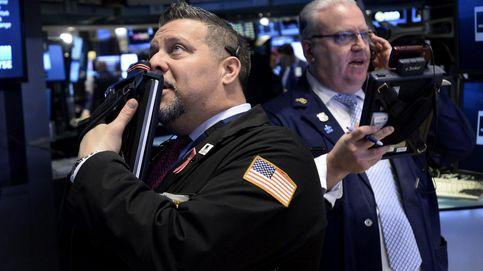 Wall Street vuelve a venirse abajo mientras ve cómo el dólar acelera