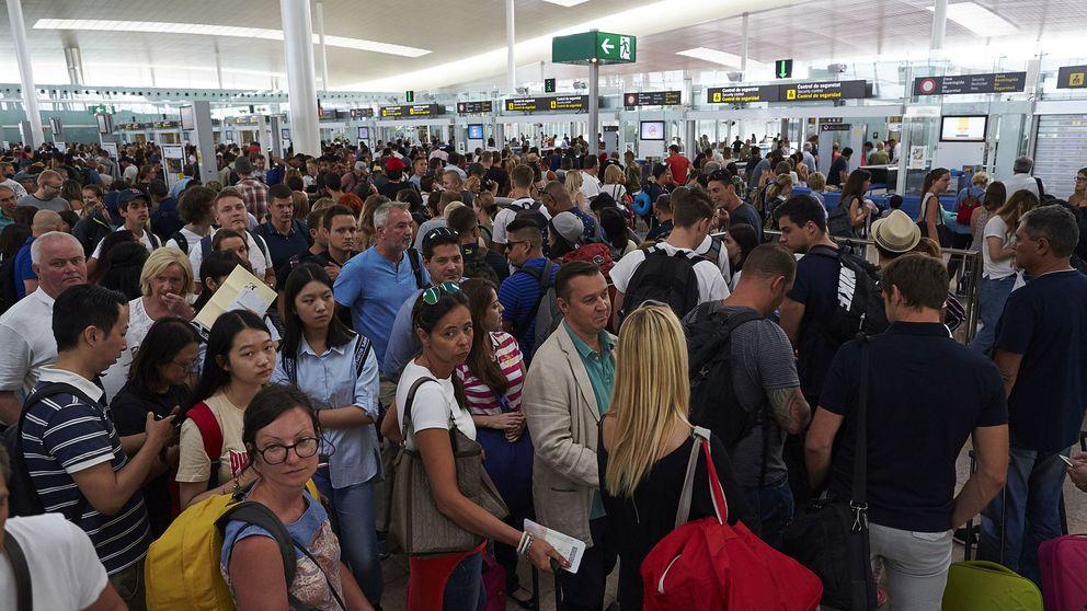 El Gobierno se moviliza para evitar que el colapso de El Prat alimente el 'procés'