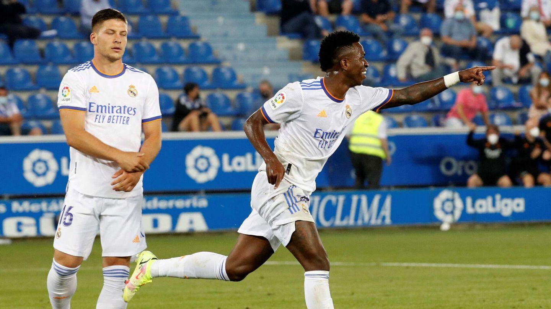Luka Jovic y Vinícius Júnior en acción. (Reuters)