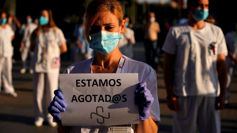 Foto: Protesta en el Hospital de La Paz (Madrid) para pedir más personal sanitario. (Reuters)