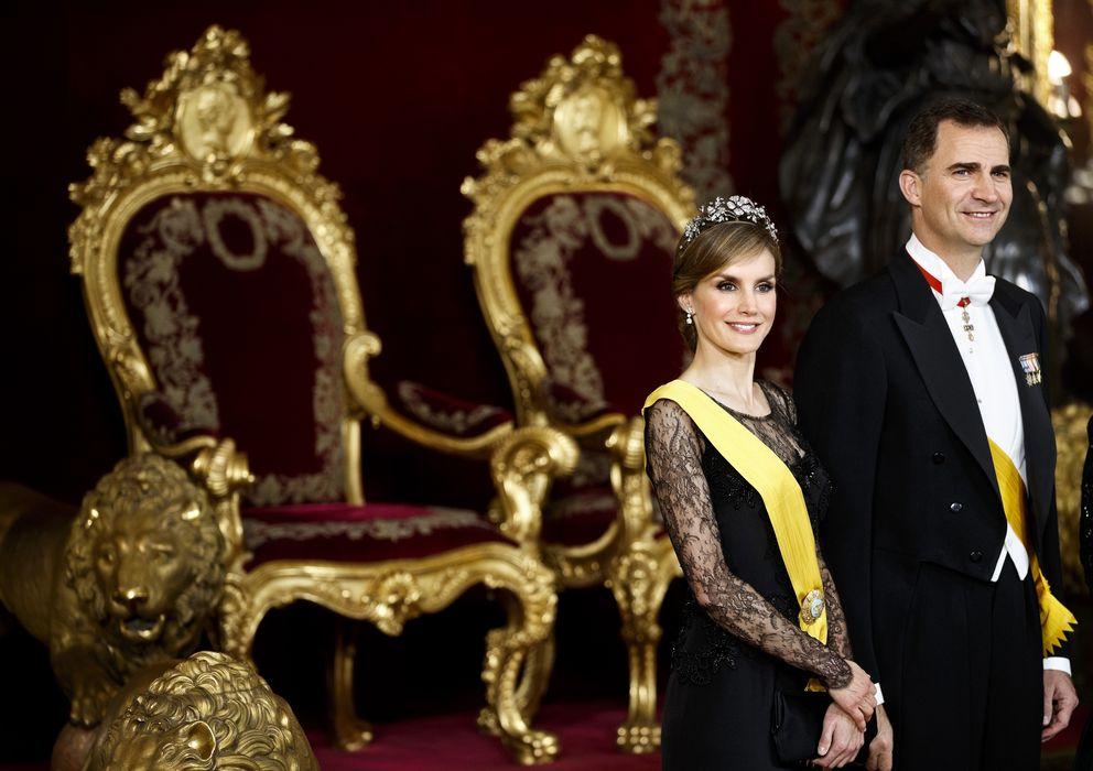Foto: Los príncipes de Asturias en una cena de gala celebrada en el palacio de la Zarzuela este lunes (Gtres)
