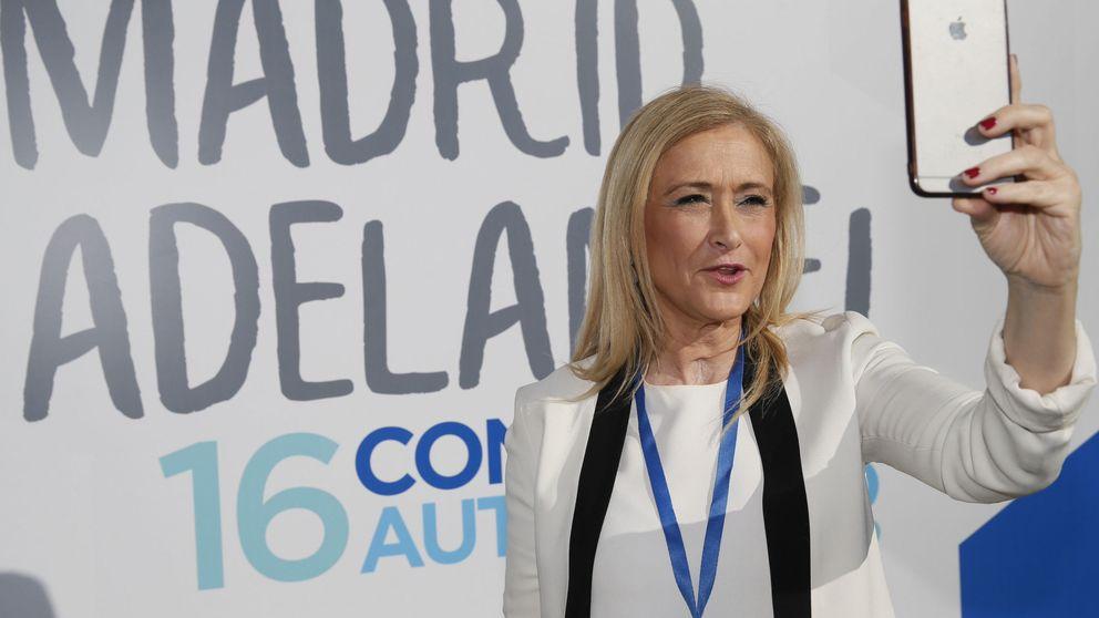 Cifuentes se defiende: Hacerse la rubia' es una frase habitual en un equipo feminista