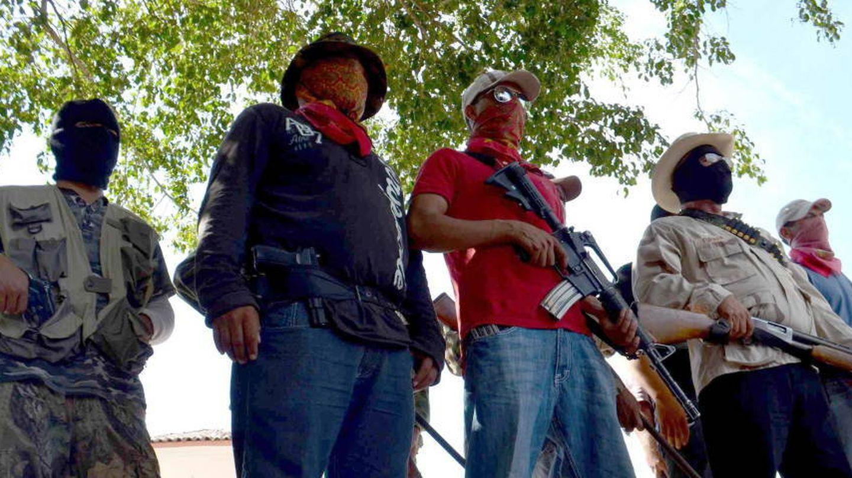 Uno de los grupos de autodefensa creado en Michoacán (Efe)