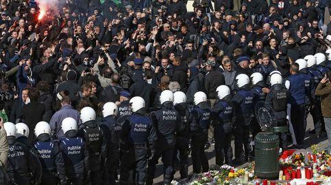 Los 'hooligans' interrumpen una concentración pacífica en Bruselas