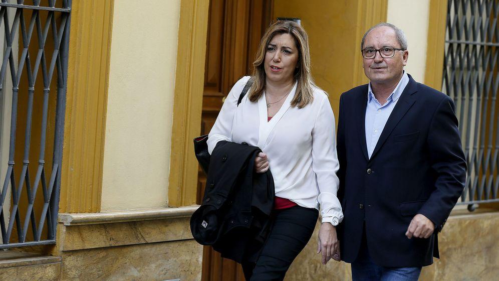 Foto: La secretaria general del PSOE de Andalucía y presidenta de la Junta, Susana Díaz, junto al secretario de Organización, Juan Cornejo. (EFE)