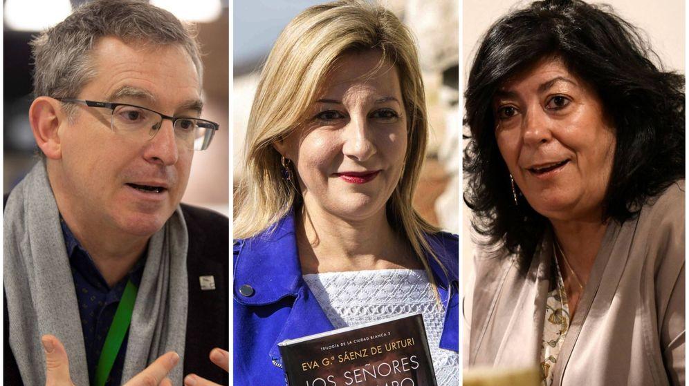 Foto: Santiago Posteguillo, Eva García Sánez de Urturi y Almudena Grandes. (El Confidencial)